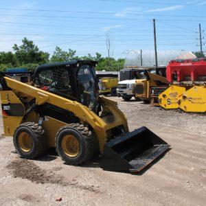 Skid-Steer-with-Mini-Plow-for-Wider-Sidewalks-lr
